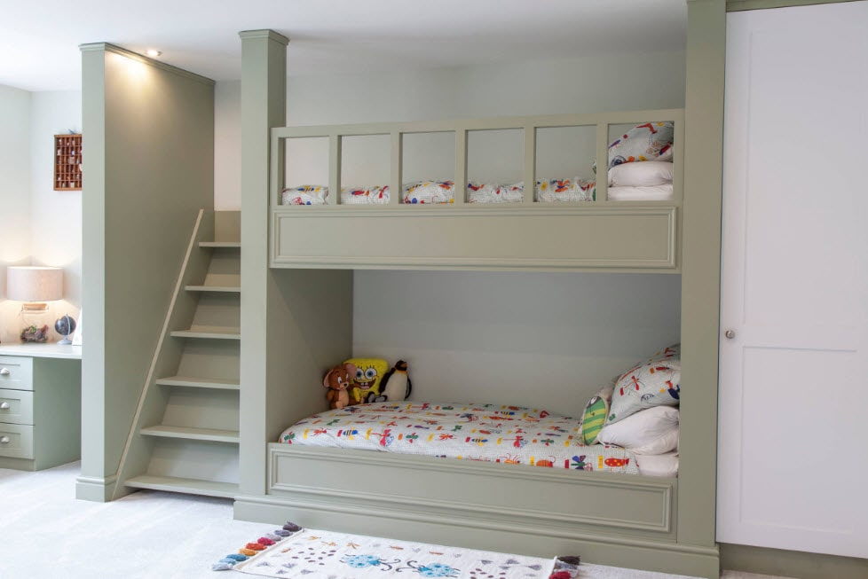Matte surfaces and gray paint for casual styled bunk bed