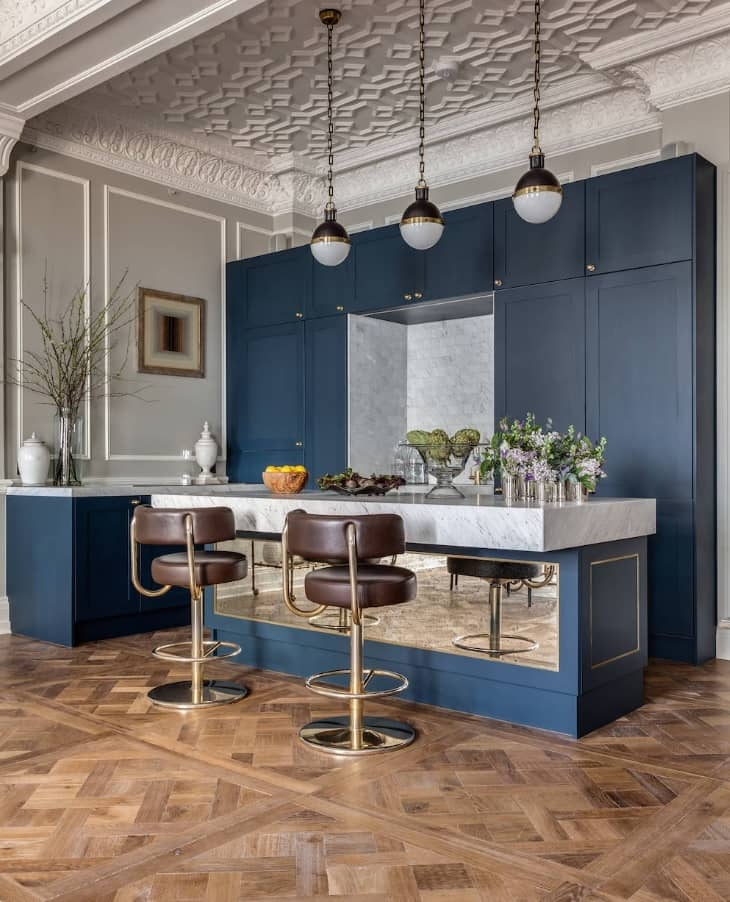 10 Amazing Ways to Give Your Kitchen a New Look. Classic in blue tint