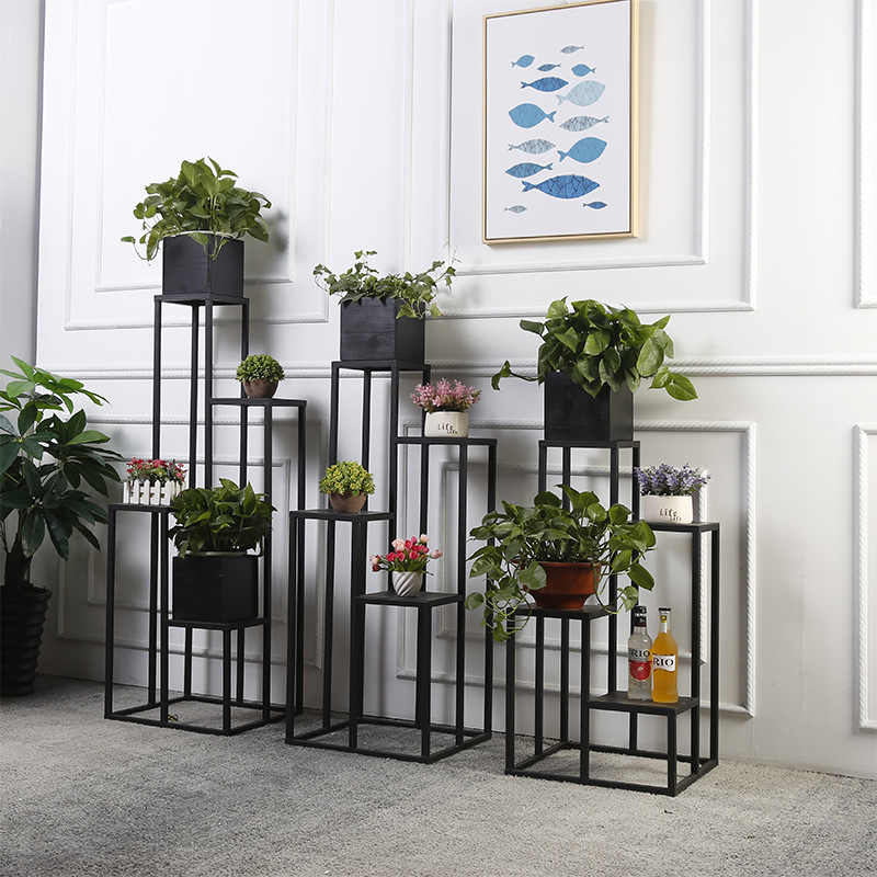 Flower metal flower stand of thin black rods