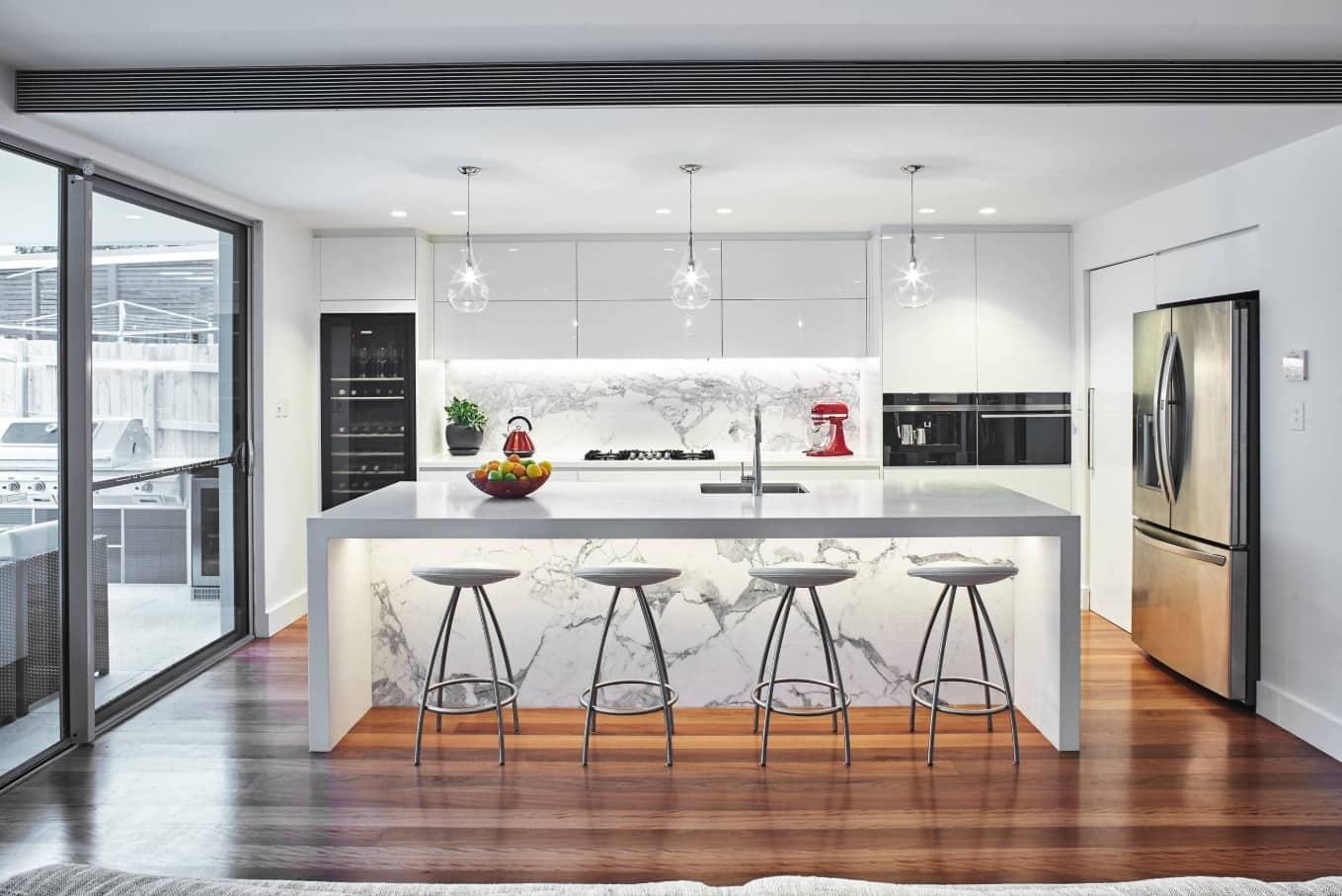 10 Kitchen Interior Design Tips. Marvelous curring edge technological space full of light