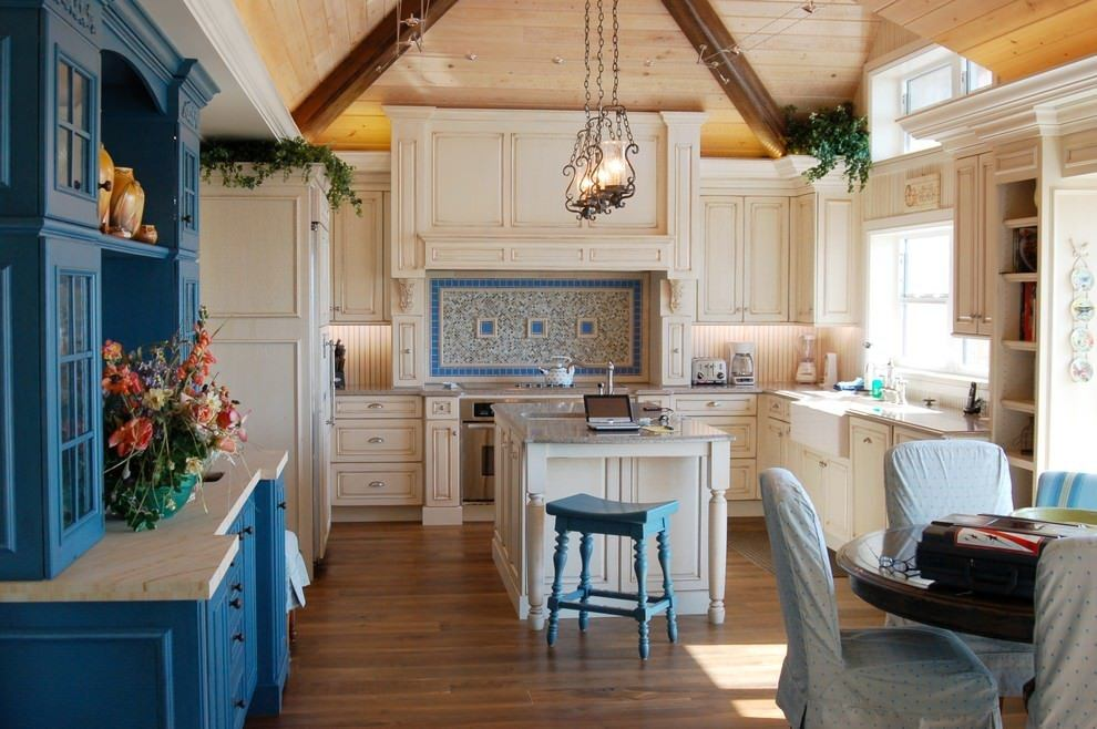 Provence touch in the Greek styled kitchen
