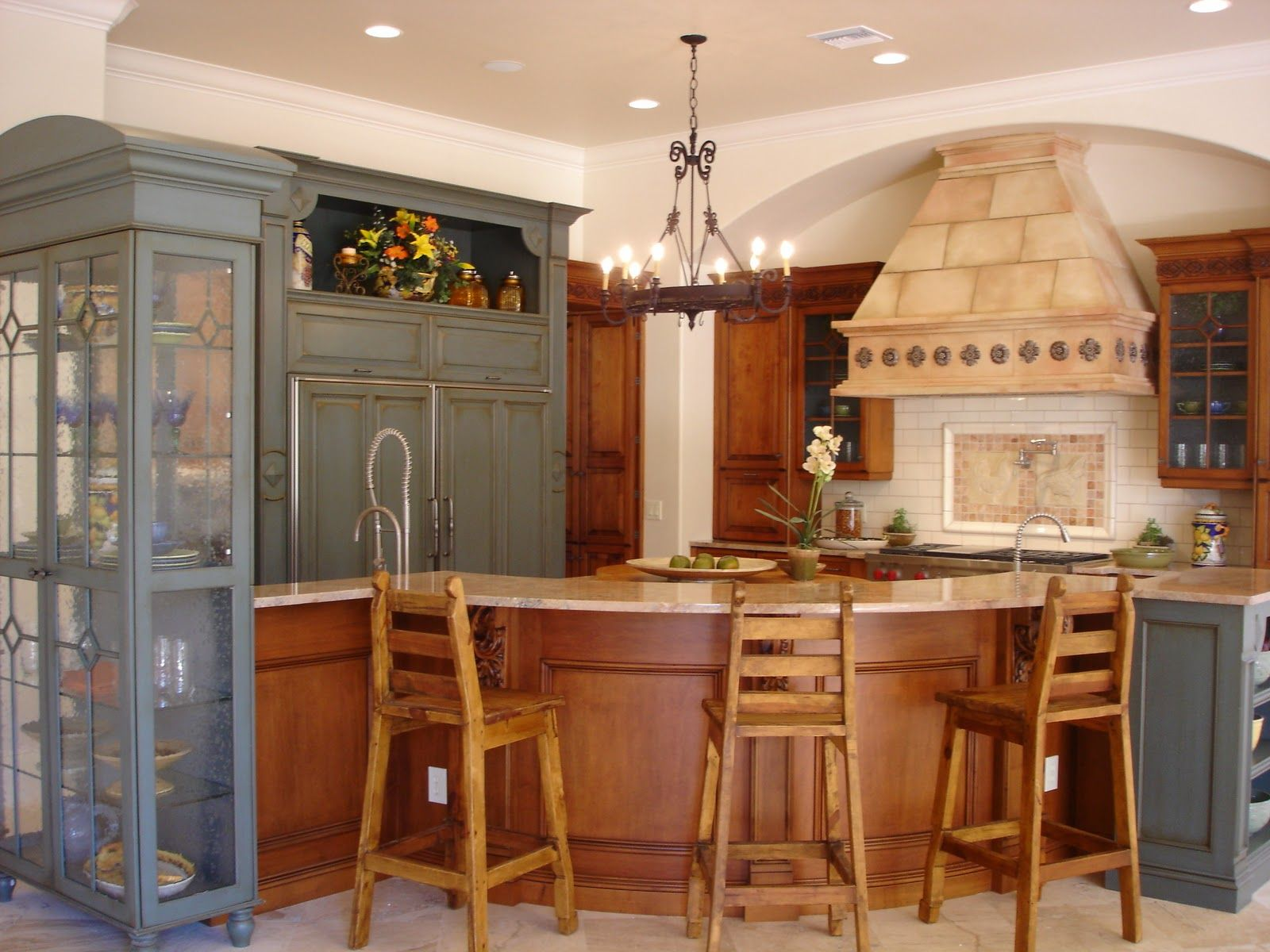 Ethnic touch for simple colonial style kitchen with wooden furniture