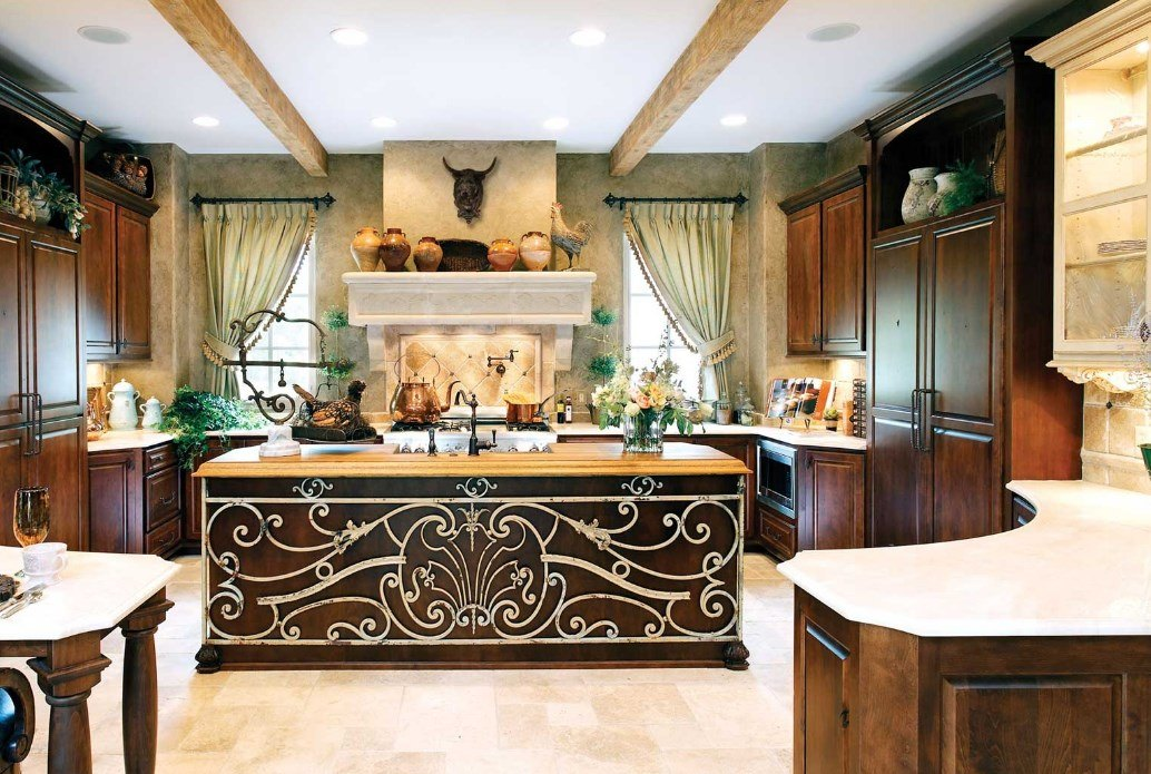 Colonial Style Kitchen as Distinctive Feature of Chic Interior. Marvelous carved and painted island