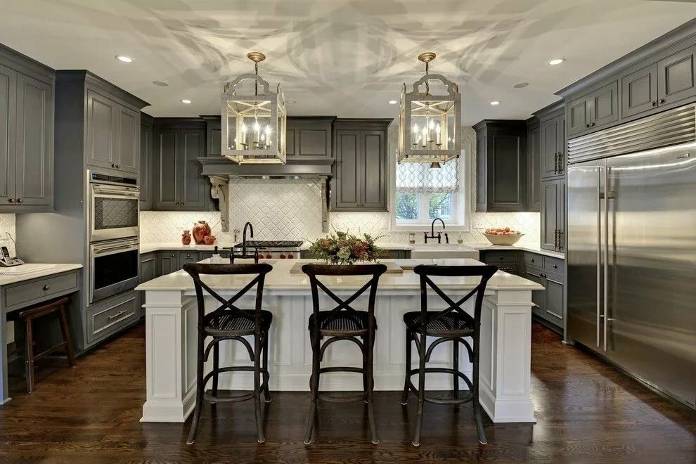Dark wooden trimming and white ceiling for colonial kitchen