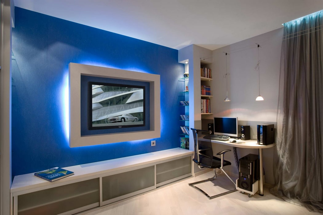 Sophisticated design with a vibrant blue wall