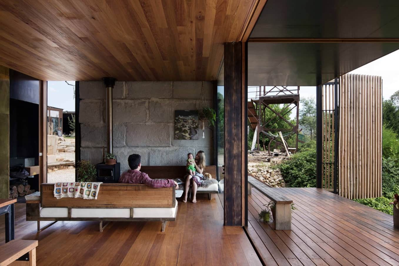 Stylish and Effective Sustainable House Designs to Inspire. Totally open house of all-natural materials