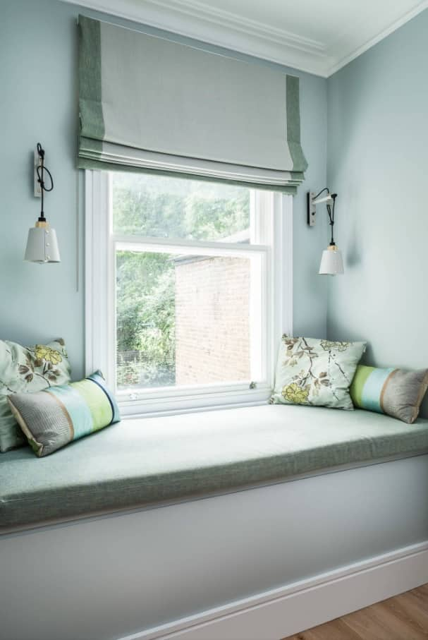 Functional window sill with full-fledge sleeping place