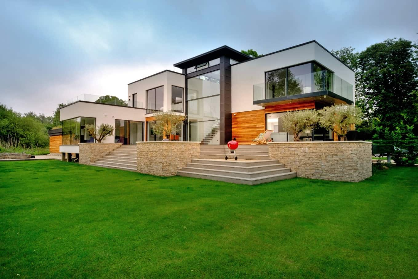 Let in the Light! 7 of the Best Window Styles to Consider for Your Home. Ultramodern multicolored house with glass panelled facade