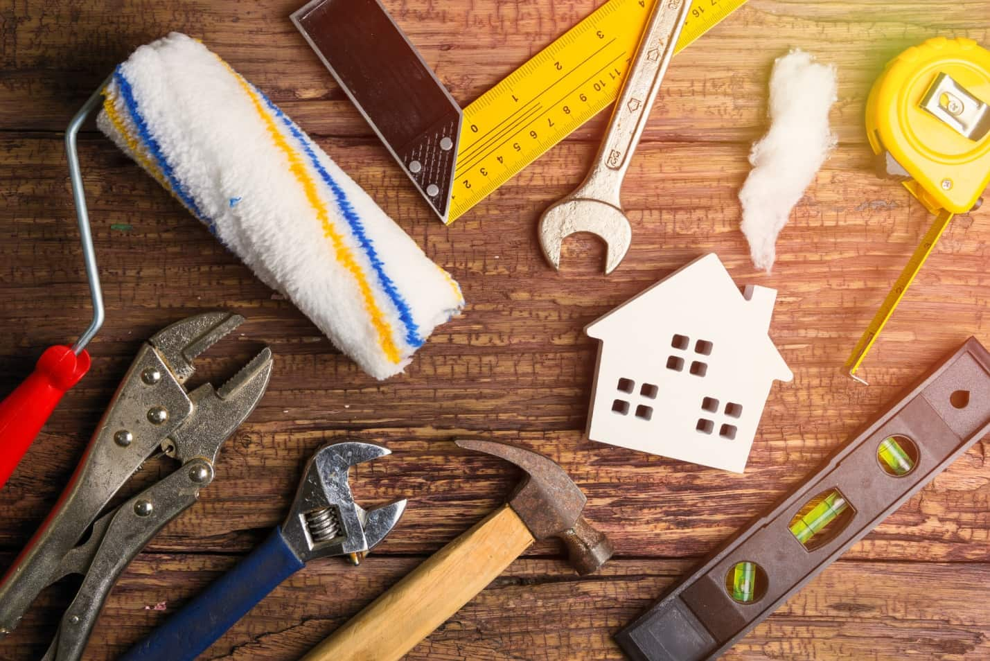 The Ultimate Summer Home Maintenance Checklist: 9 Maintaining Tips to make it easier
