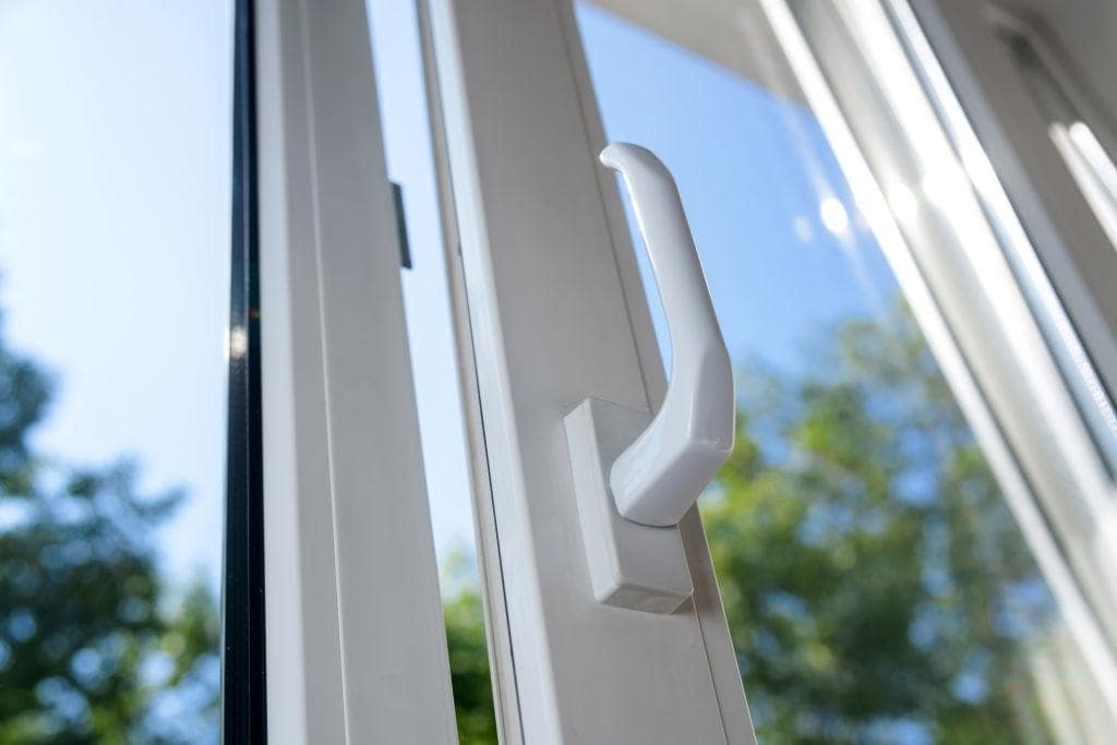 Facts About Laminated Glass Windows That Make Them Preferred Choice. Window handle