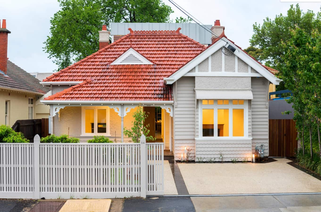 3 Reasons To Consider Building Custom. Nice casual designed small home