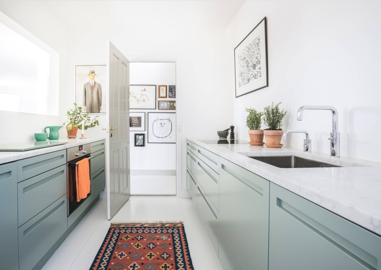 narrow kitchen design features and modern decorating solutions