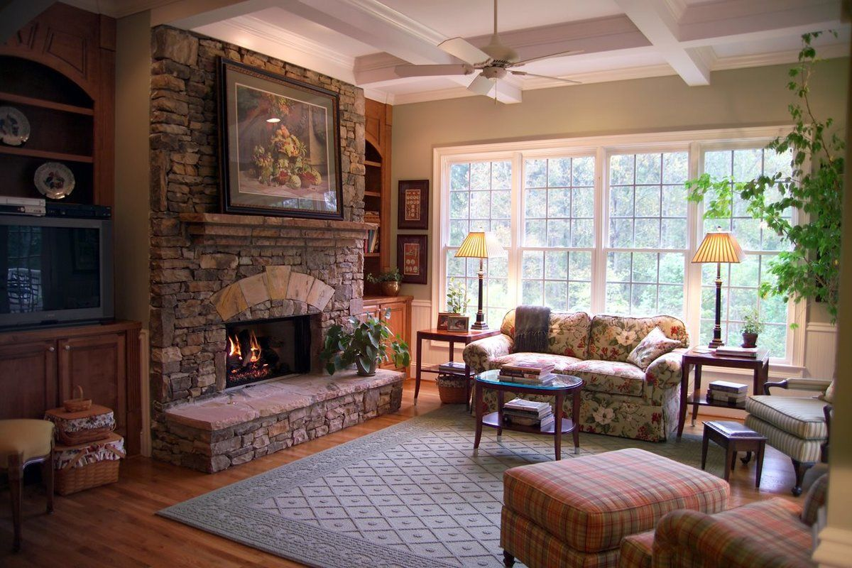 Country Style Living Room Design: Cozy and Romantic Atmosphere. English style touch for rustic designed living