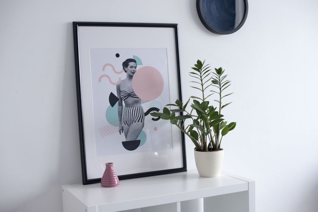 The picture in frame is a great option to revive small living space