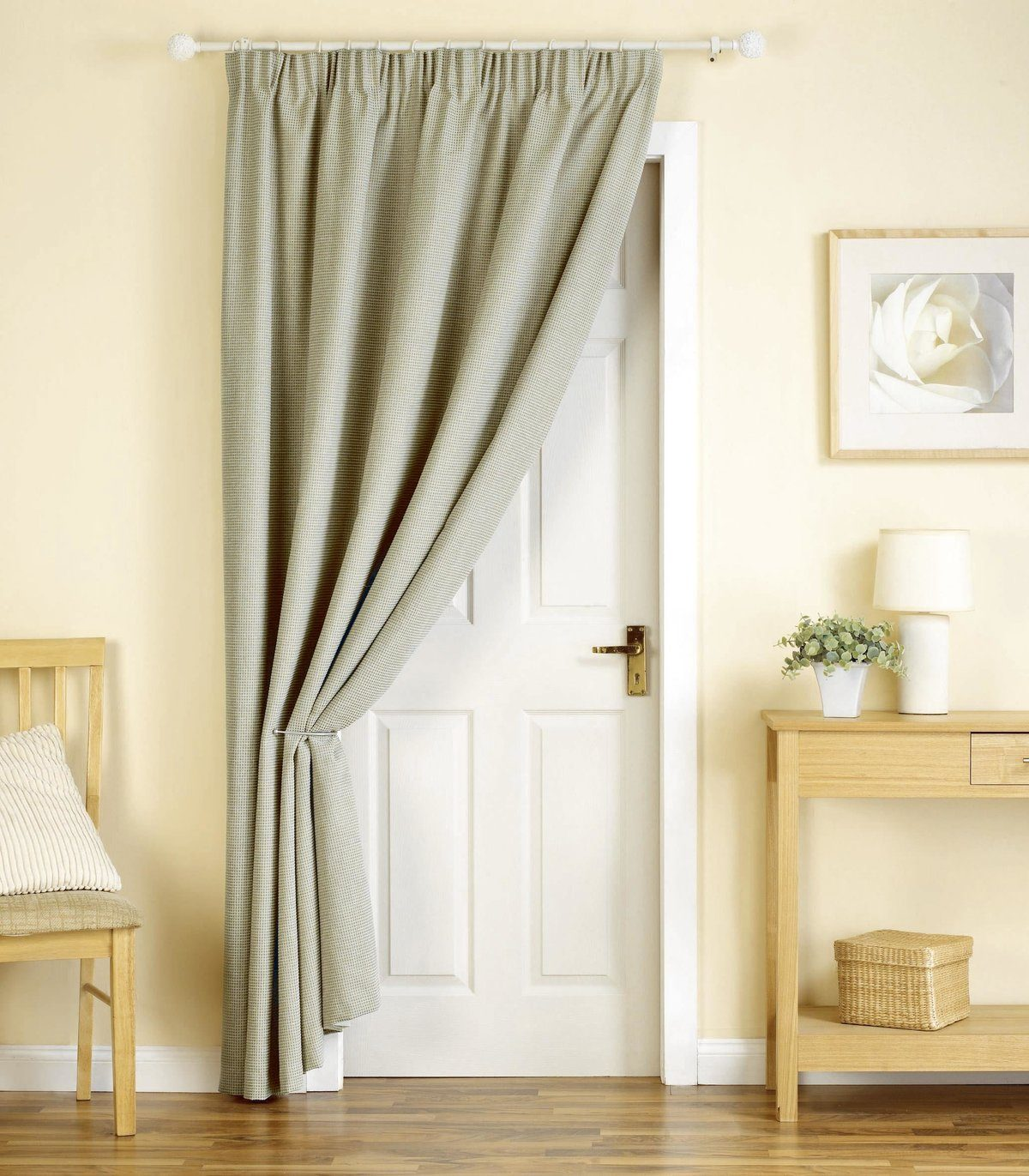 Interior Curtains: Stylish Zoning and Decoration Element. The olive cloth in addition to traditional interior door of Scandi styled room
