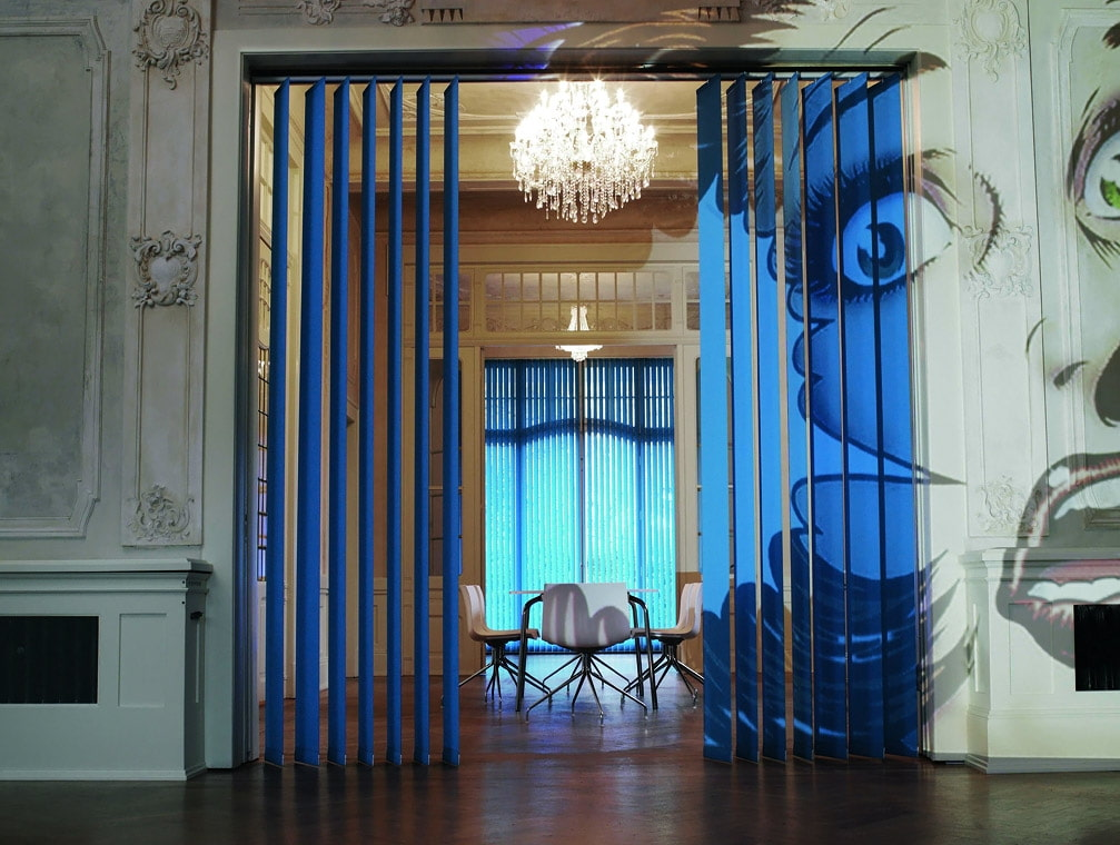 Interior Curtains: Stylish Zoning and Decoration Element. Effective blue Roman curtains