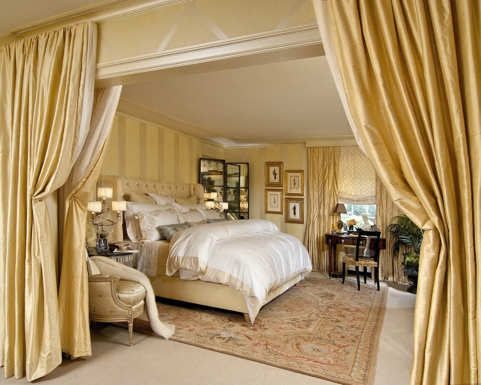 Interior Curtains: Stylish Zoning and Decoration Element. Great classic bedroom with golden color theme