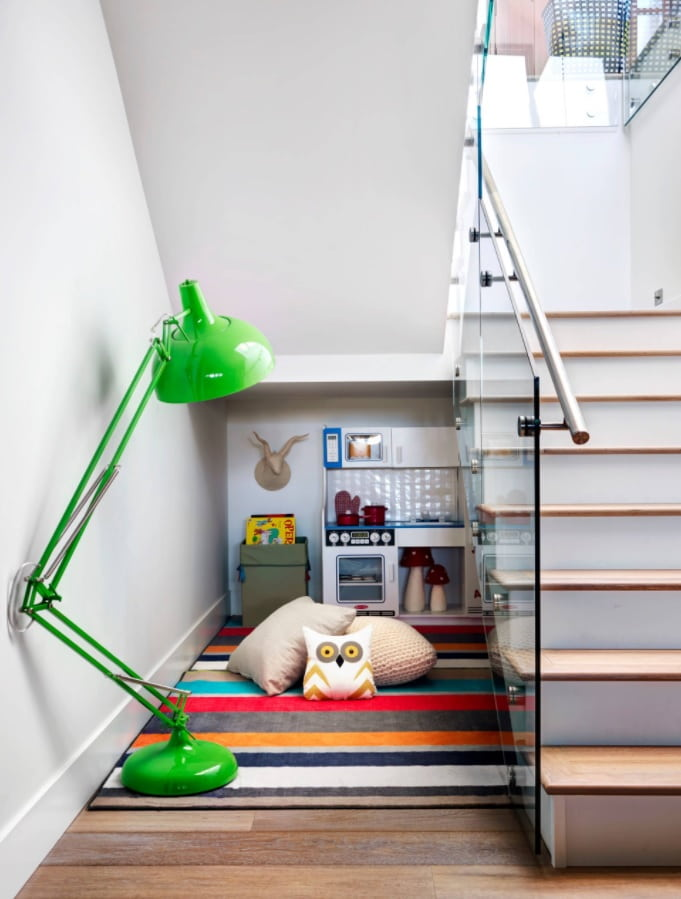 Best Townhouse Decor Ideas. Great idea of under the stair space organizing for kid