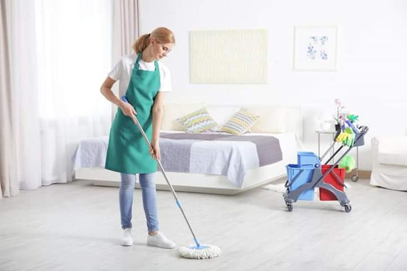 12 Useful Cleaning Tips For People Who Hate Cleaning. Cleaning the laminate