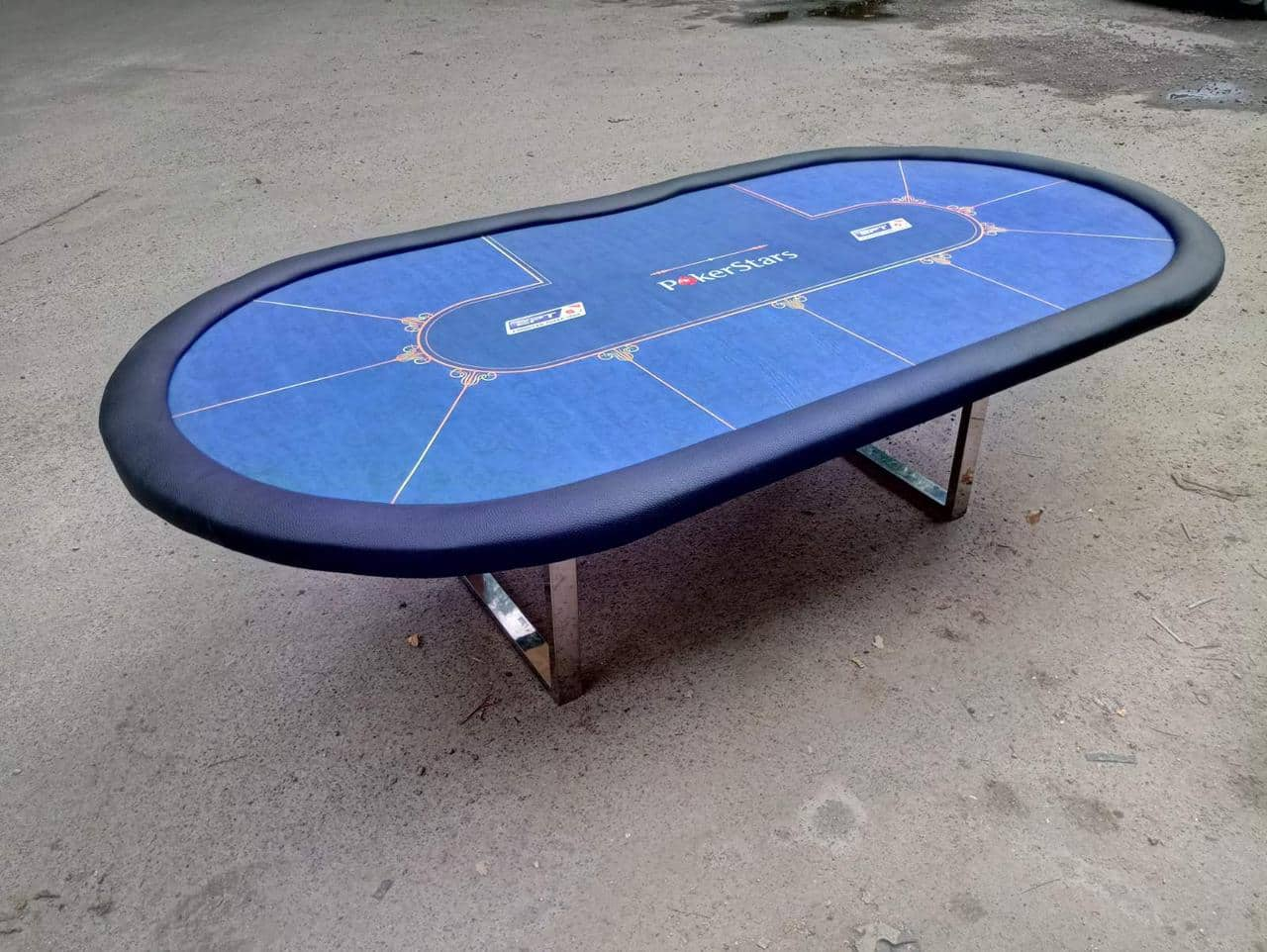 Placing Poker Tables in Small Spaces. Small table for large living room to take up less area. Folding table made of artificial materials