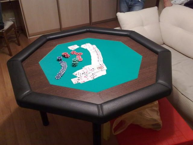 Octagon DIY poker table for small living room