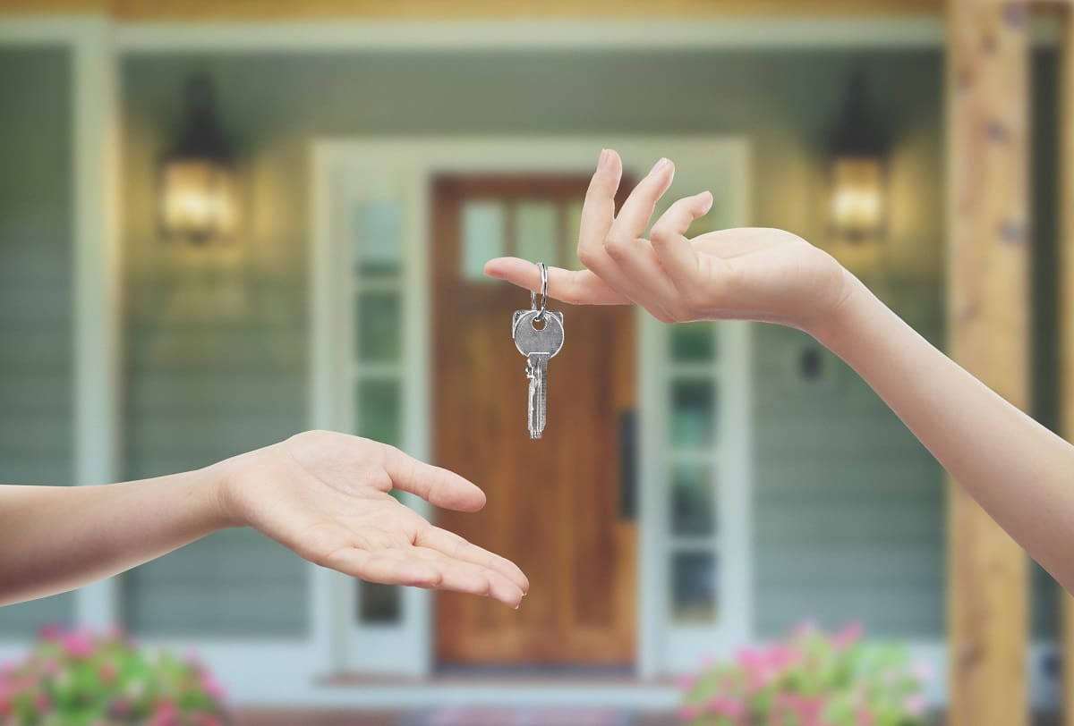 Is Your House Lacking Charm? 5 Tips To Sell A House That Needs Work. Handing over the keys