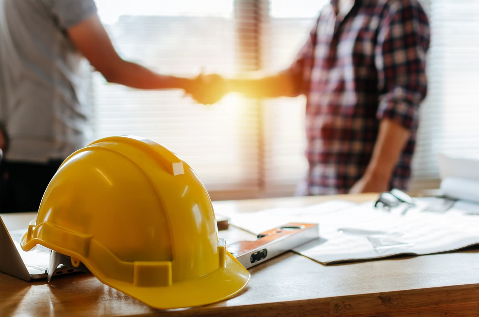 3 Things To Look For When Hiring A Contractor. Approving the deal