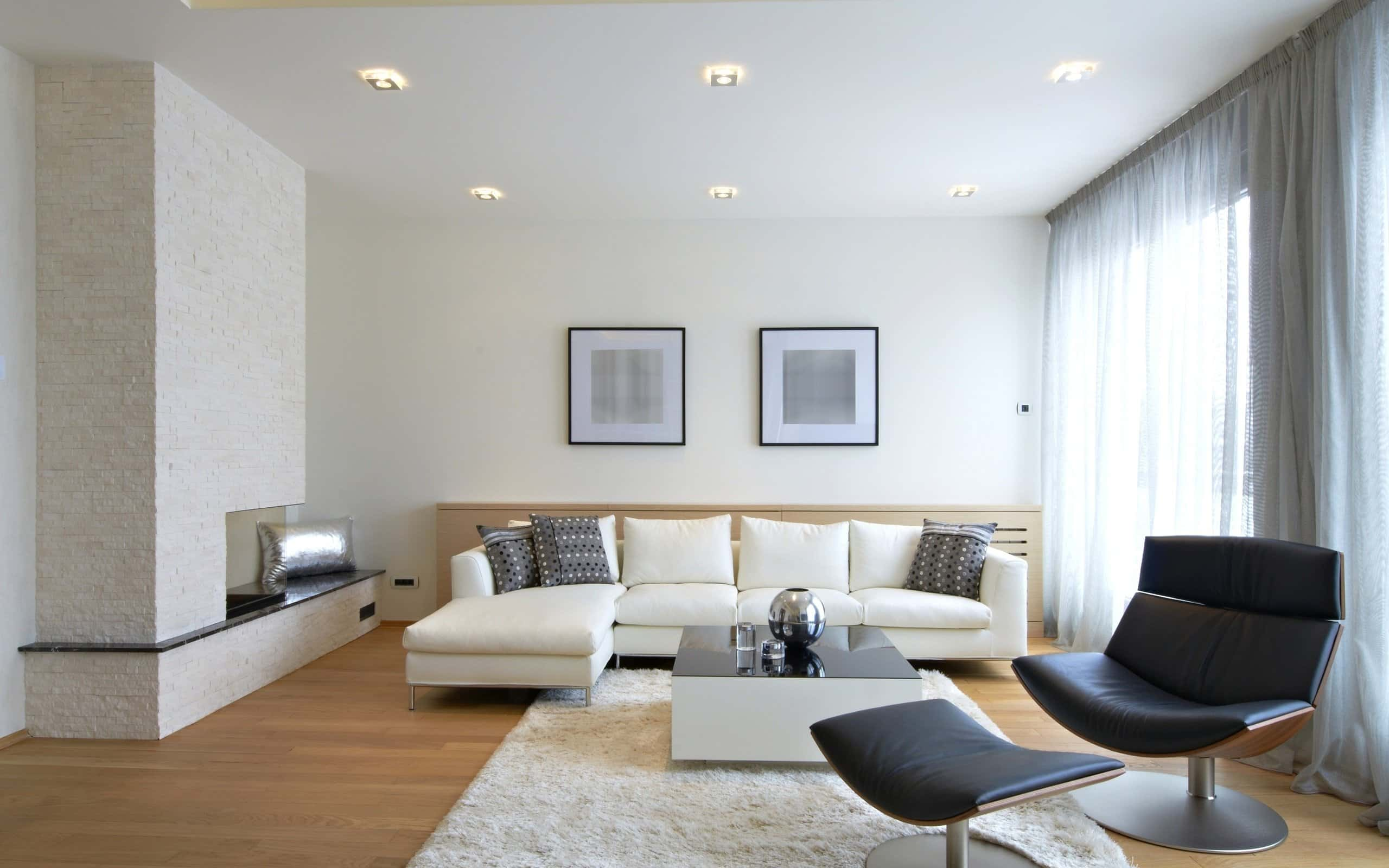 White Wallpaper Interior Design Ideas. Great combination of pastel walls, white ceiling and laminated floor
