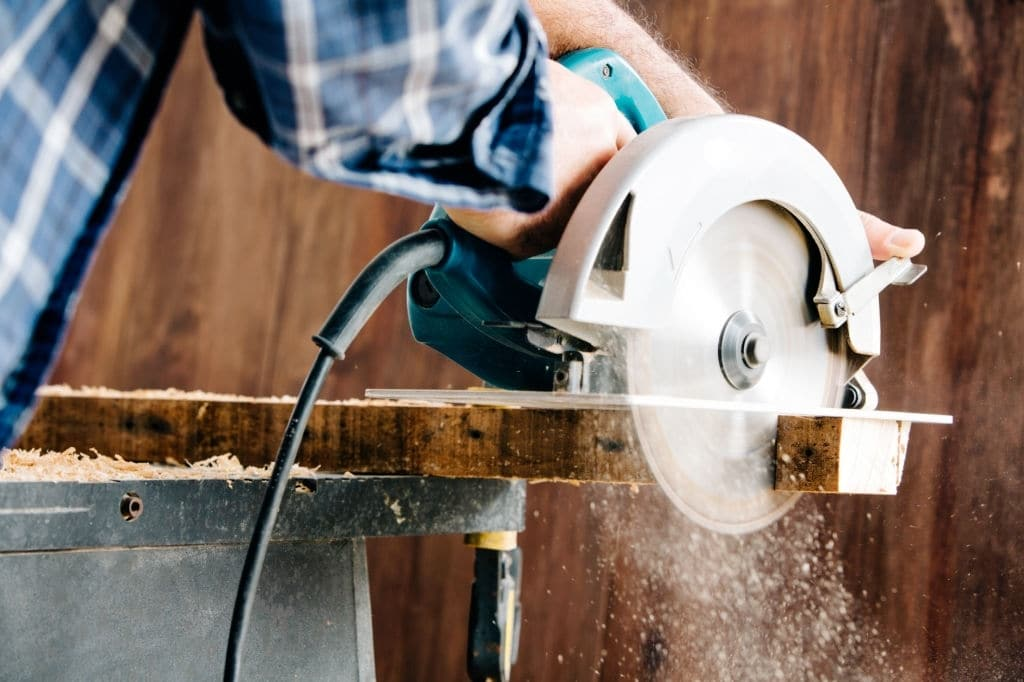 Comprehensive Guide to DIY Cut Plexiglass and Making Awesome Craftwork. Electric circular saw