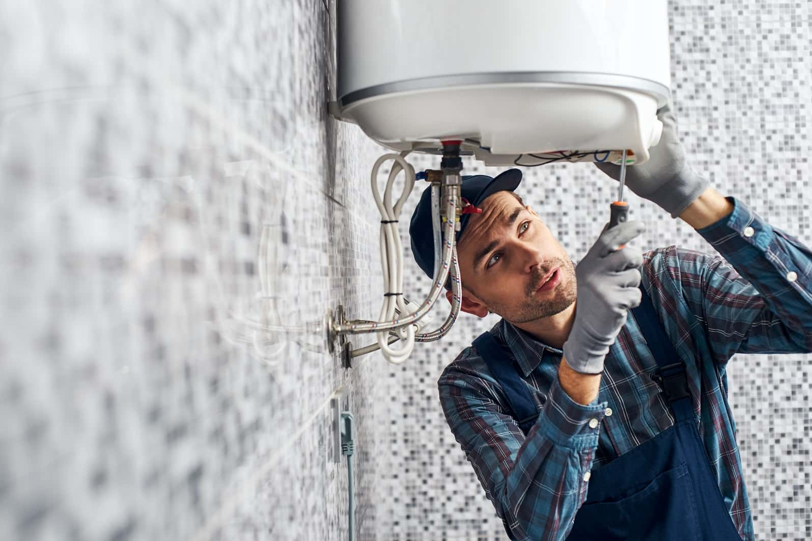5 Construction Myths On Water Heating Services You Shouldn't Believe. Mounting the tank and water pipes