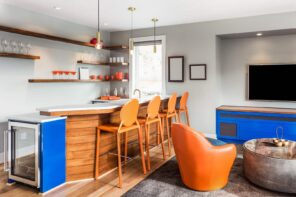 5 Tips For Setting Up A Fun Entertainment Space. Great colorful sitting room combined with kitchen