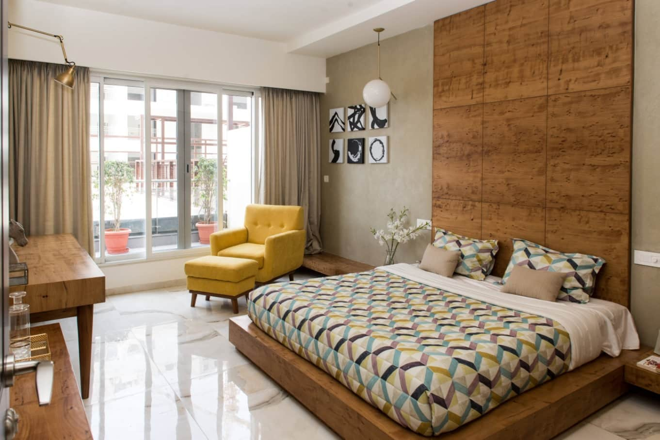 Simple and Inexpensive yet Effective Tips to Make Your Bed Luxurious. Nice combination of colors and materials in contemporary styled room