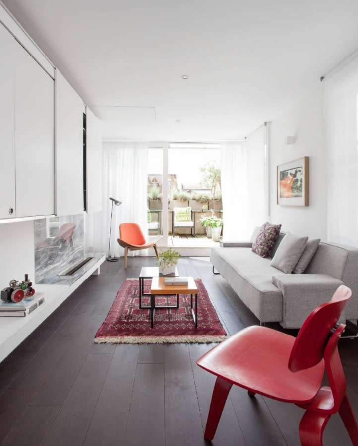 The Best Tips for Living Room Decoration. Red bright accents in the white room