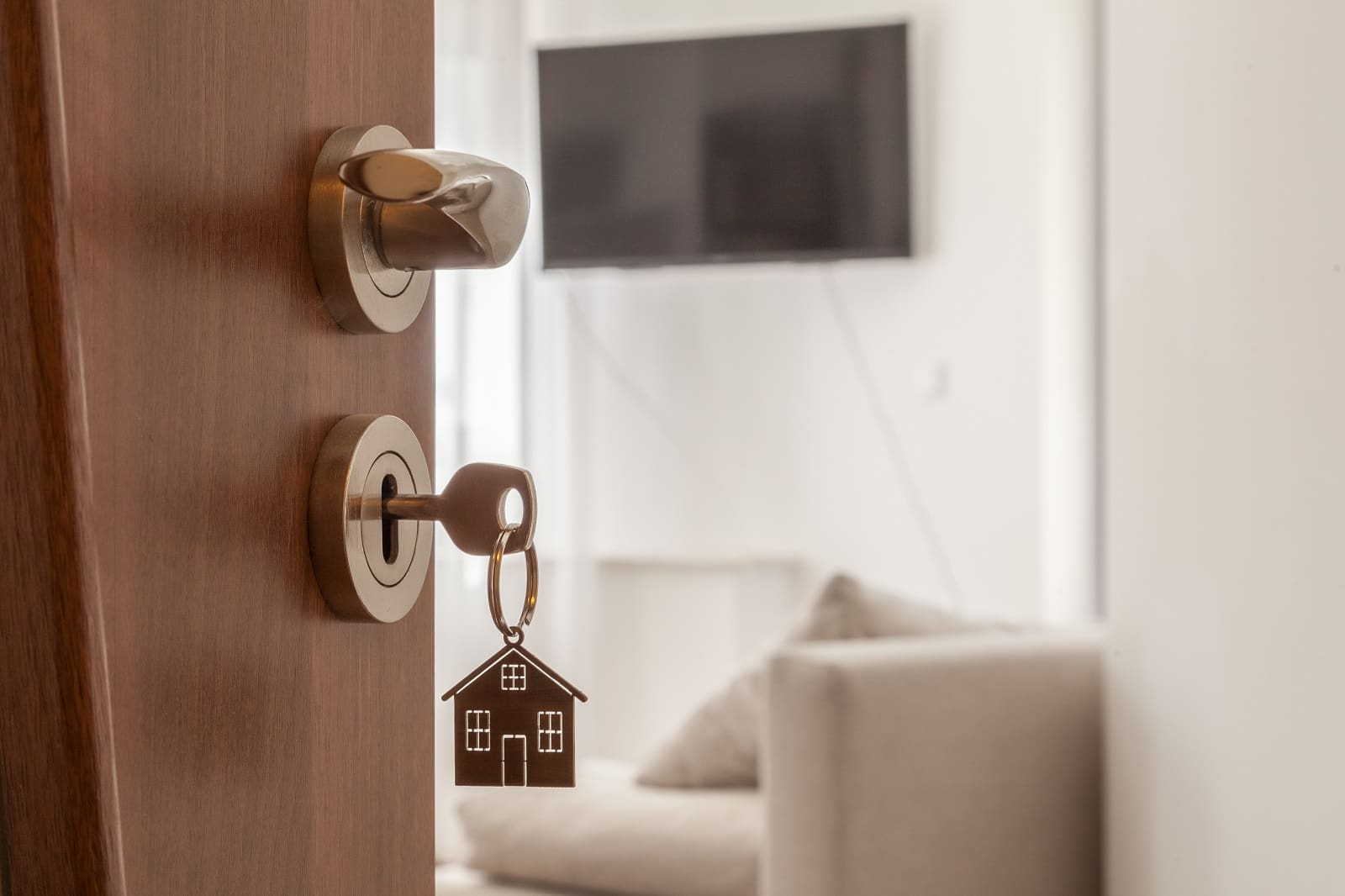 5 Tips to Prepare Your New Home Before Moving. The keys to your new home