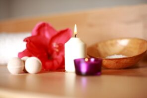 How To Deal With That Little Extra Space You Have At Home. Aroma candles and the flower bud to decorate the table