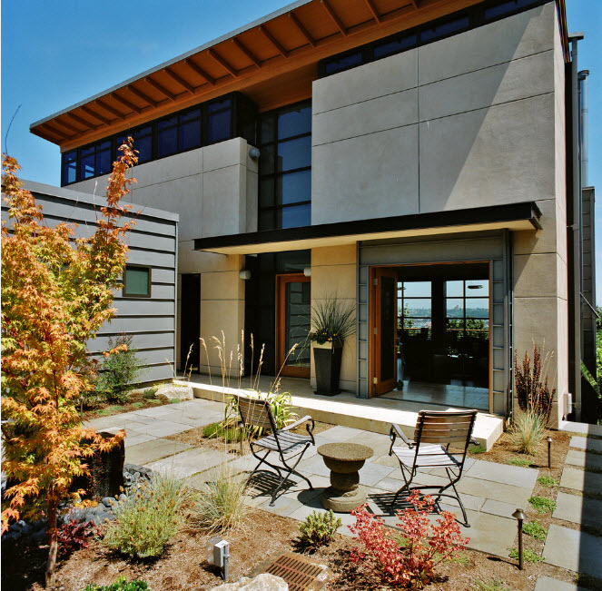 High-tech Style Houses: Fresh Ideas for Individual Projects. Southern landscape and skillfully created design with concrete slabs
